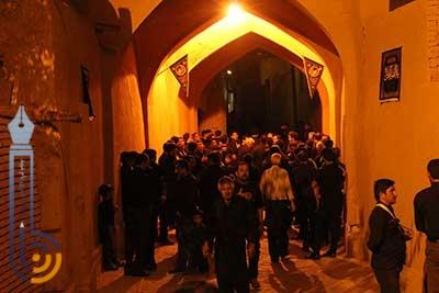 تصویر از اشعار شب دوم مراسم شاه حسن شاه حسین در امامزاده سید صدر الدین قنبر میبد/ ویدئو