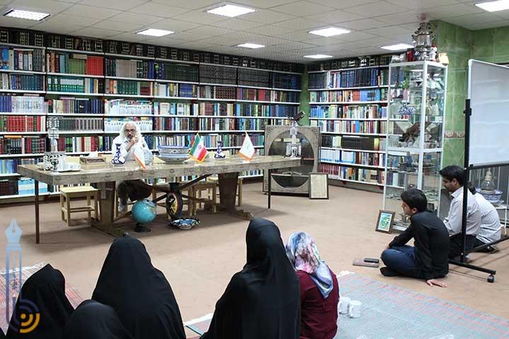 Photo of نشست انجمن نویسندگان میبدی (سرای اهل قلم ) در گنجینه فرهنگی پژوهشی فاطمه الزهرای میبد
