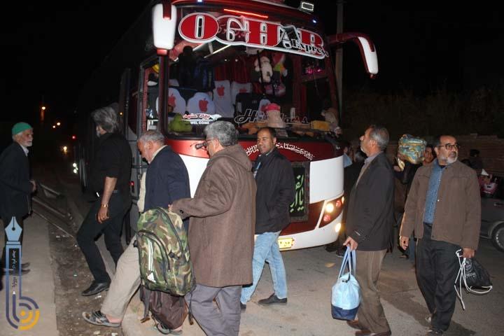 تصاویری از عزیمت زائران پیاده میبد به مشهد مقدس
