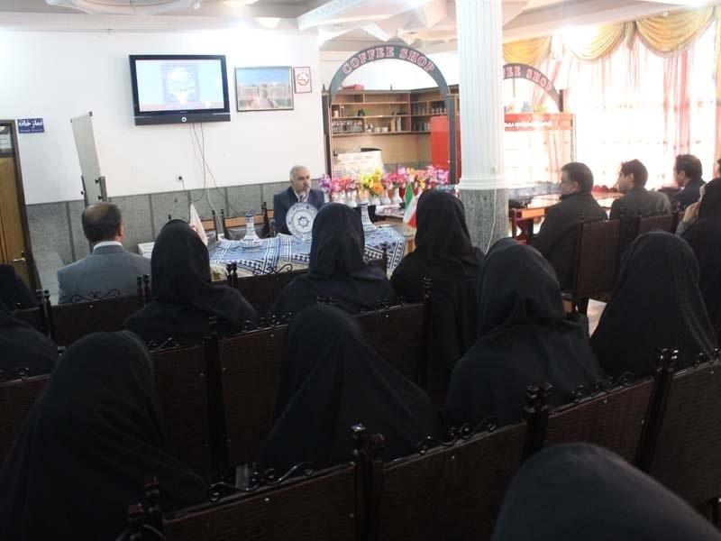 تصویر از همایش پایگاه های سلامت استان یزد در میبد آغاز شد