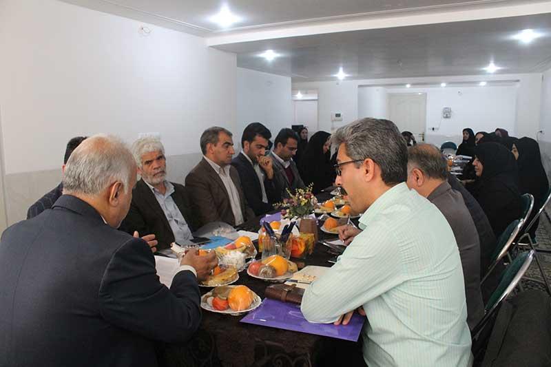 Photo of بازگشت بچه ها به کانون خانواده هدف اصلی بهزیستی یزد است