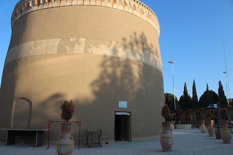 تصویر از نگاهی به برج کبوترخانه میبد