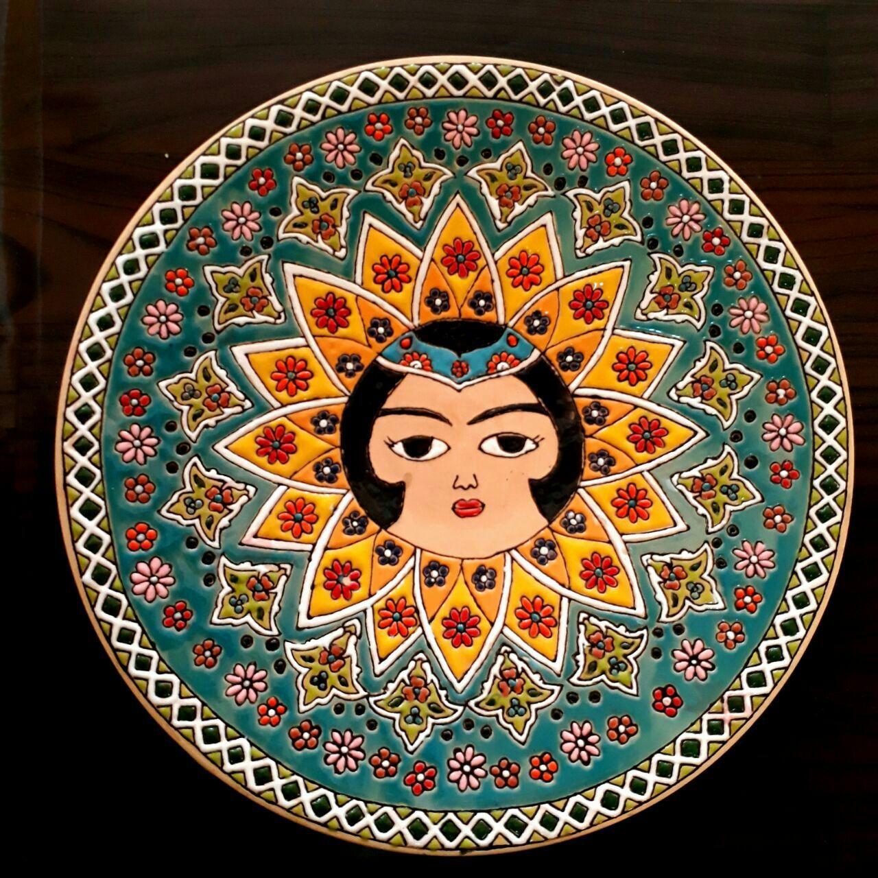 تصویر از رضوان سادات طباطبایی فعال در رشته هنرهای تجسمی
