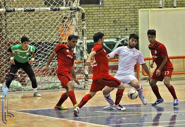 تصویر از تیم فوتسال صنایع میبد، فولاد زرند کرمان را شکست داد