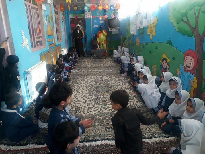 Photo of آموزش فرآیند جمع آوری و تفکیک پسماند شهری در میبد