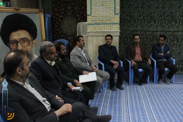 تصویر از تصاویری از نشست مسئولین و خبرنگاران میبدی