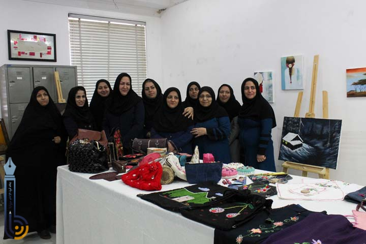 تصویر از نمایشگاهی از دست آوردهای مرکز فنی حرفه ای خیرالنساء میبد برگزار شد