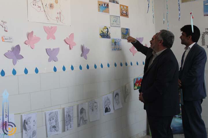 Photo of برگزاری نمایشگاه غذا و آثار هنری در دبیرستان قدس میبد/تصاویر
