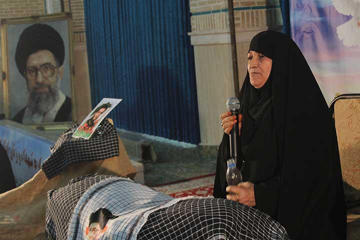 تصویر از یادمان شهدا و زنان ایثارگر در میبد برگزار شد