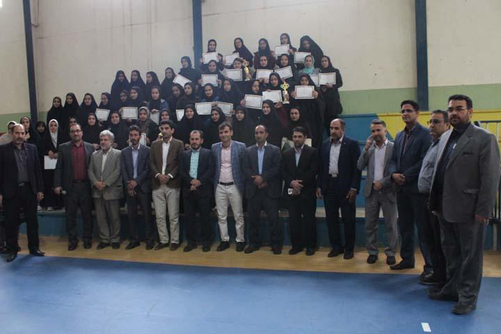 برگزاری مسابقات والیبال دانشجویی استان یزد در میبد / تصاویر