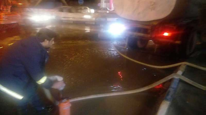 تصویر از روان آب بارندگی از ۲۹ معبر عمومی میبد تخلیه شد