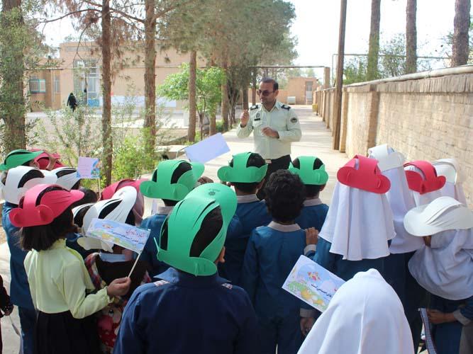 کودکان رکن آبادی و  مقررات راهنمایی و رانندگی
