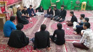 تصویر از جوانان معتکف میهمان مسجد جامع میبد در شب های قدر شدند