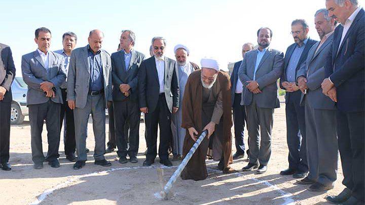 Photo of کلنگ ساخت یک مجتمع بزرگ آموزشی در میبد به زمین زده شد