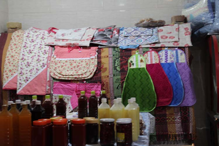 افتتاح اولین بازارچه روز در میبد