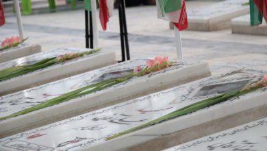تصویر از پایگاه های مقاومت بسیج میبد گلزار شهدا را غبارروبی کردند