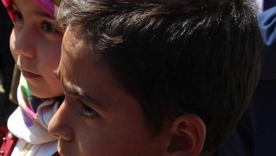تصویر از کلنگ زنی فاز یک پروژه های شهرداری میبد به دست کودکان
