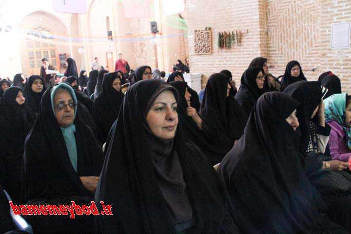 برگزاری جشن میلاد در مسد جامع میبد