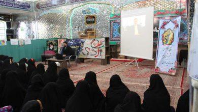 تصویر از لنز تلسکوپی جامعه اسلامی به دست مقام معظم رهبری است