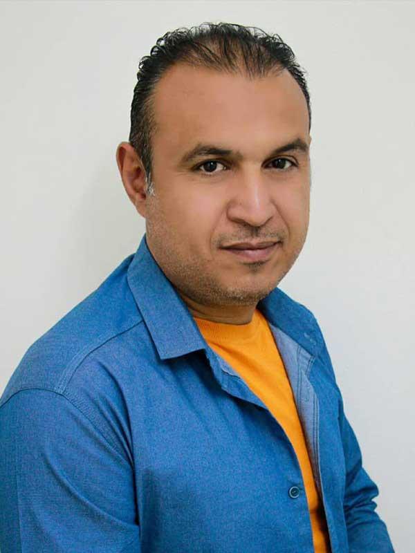 صادق نصیری کارگردان نمایش «گذشته التزامی»
