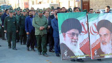 تصویر از مراسم نمادین استقبال از امام راحل در میبد برگزار شد