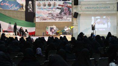 تصویر از یادواره شهدا و زنان ایثارگر در میبد برگزار شد