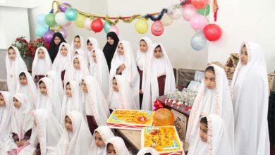 تصویر از جشن تکلیف دانش آموزان دبستان حاج غلامحسین زهرایی میبد برگزار شد/بخش دوم تصاویر