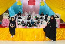 تصویر از دختران میبدی عروسک های خود را با حجاب کردند