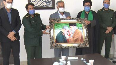 تصویر از تجلیل فرمانده سپاه میبد از فرماندار